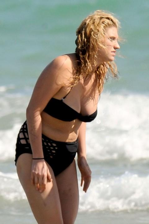 kesha bikini. Ke$ha#39;s Benjamin Button ikini