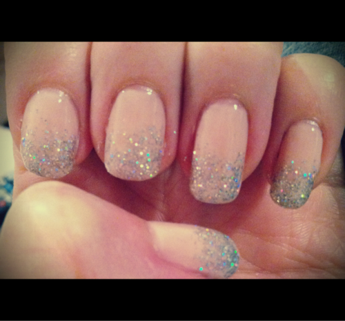Note to self, do something like this with my nails soon.